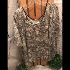 Black And White Blouse Large NWT